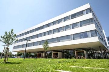 Ansicht des prämierten Neubaus des Campus St. Pölten